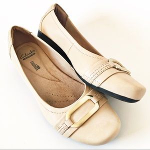 ✨ Clarks Collection Cream Buckle Flats